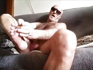 سکس گی je jute sur mon pied voyeur  masturbation  hd videos handjob  bear  amateur