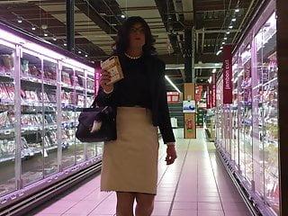 سکس گی satin skirt man  hd videos