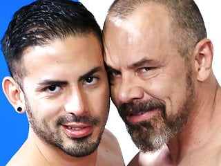 سکس گی مرد همجنسگرا قدیمی و جدید جوان شریک HD مقعد فیلم ضربه او