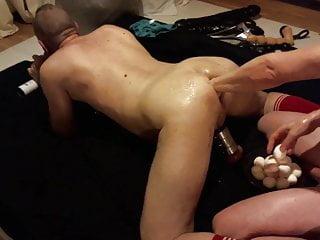 سکس گی Das Loch mit Eiern getopft sex toy hd videos fisting  anal