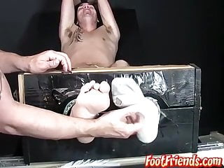 سکس گی Restrained feet lover tickled and tormented with a feather bdsm