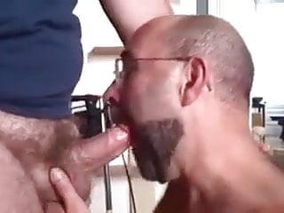 سکس گی کردم بزرگ مودار دیک خود را مکیده بابا از blowjob خروس بزرگ خرس آماتور
