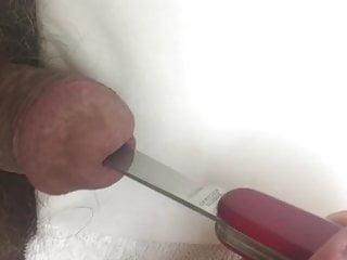 سکس گی وارد کردن یک چاقو سوئیس تمام راه را در جنس مرد اسباب بازی بزرگ خروس BDSM آماتور
