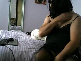 سکس گی ملکه تلویزیون وب کم استمناء آماتور مرد CROSSDRESSER چربی